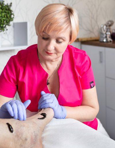 Hiduroterapia (przykładanie pijawek)